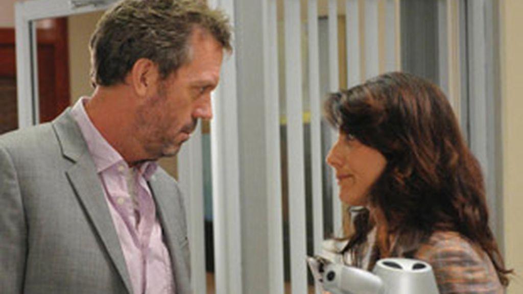 Hugh Laurie y Lisa Edelstein.