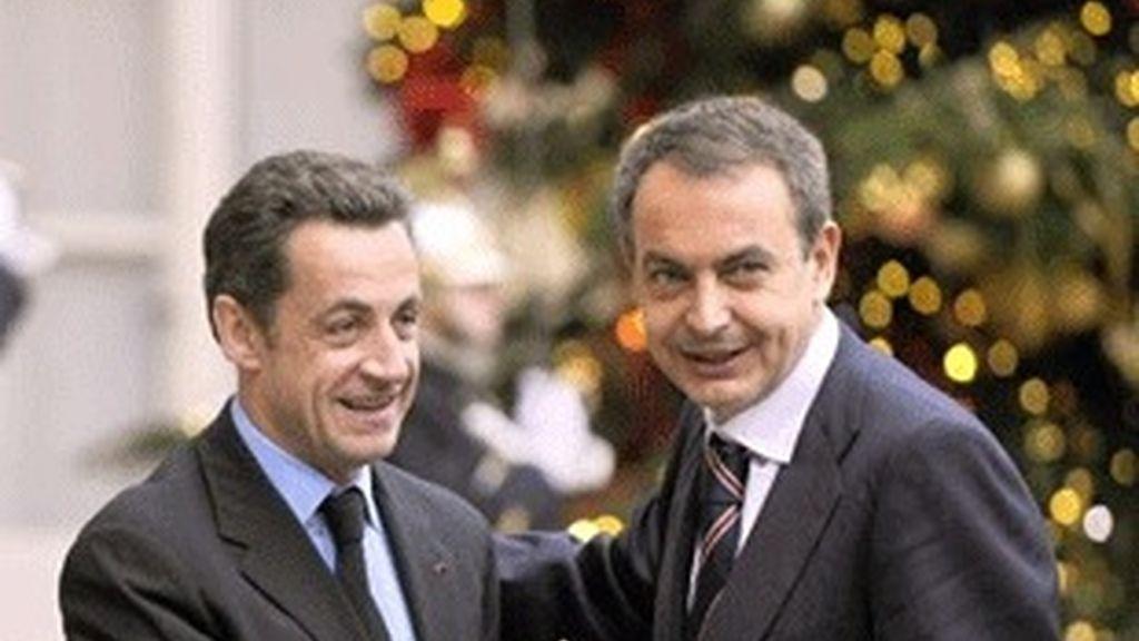 Nicolás Sarkozy, a la izquierda y José Luis Rodríguez Zapatero.
