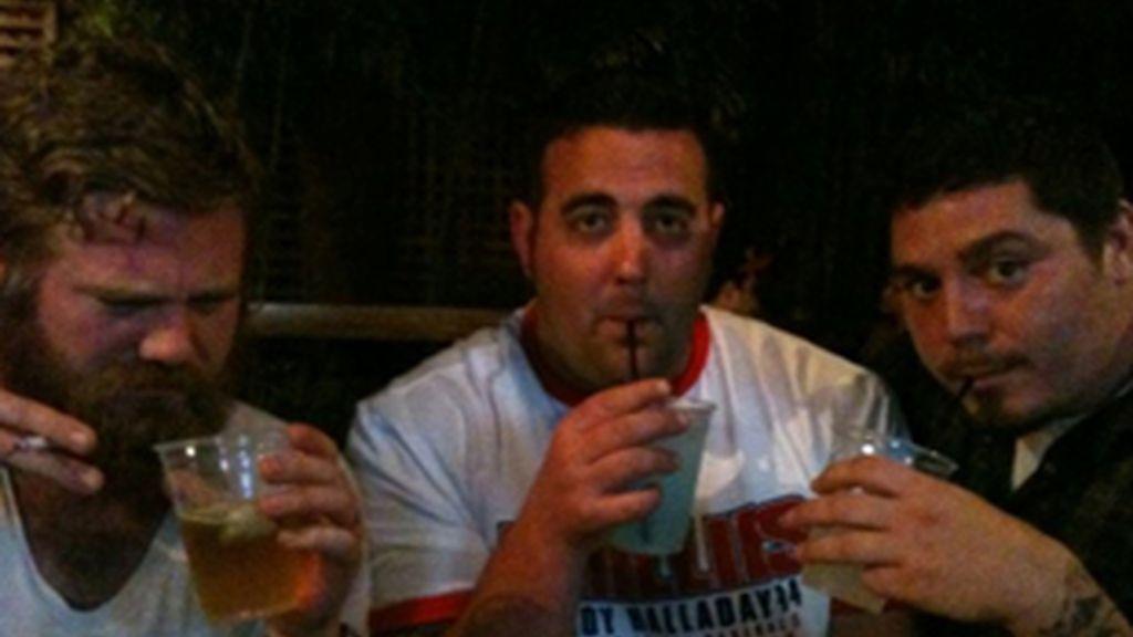 Ryan Dunn (izquierda), en la última foto subida a Twitter poco antes del accidente.
