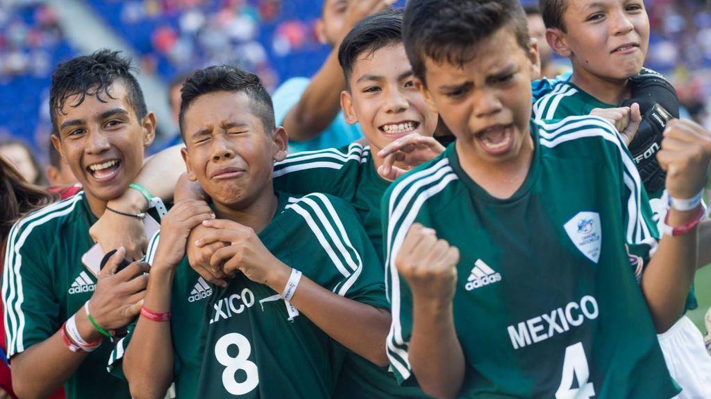 ¡Pura emoción! Los alevines de México dedican el título mundial a las víctimas del terremoto