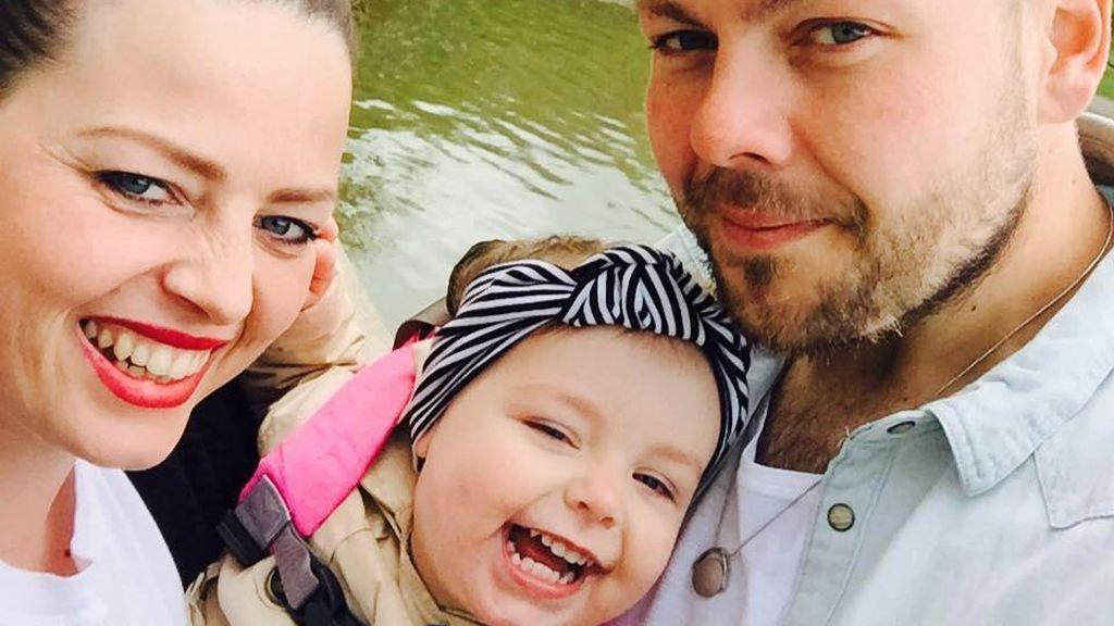 """""""Papi, te amo"""": Las últimas palabras de una niña de dos años a su padre"""