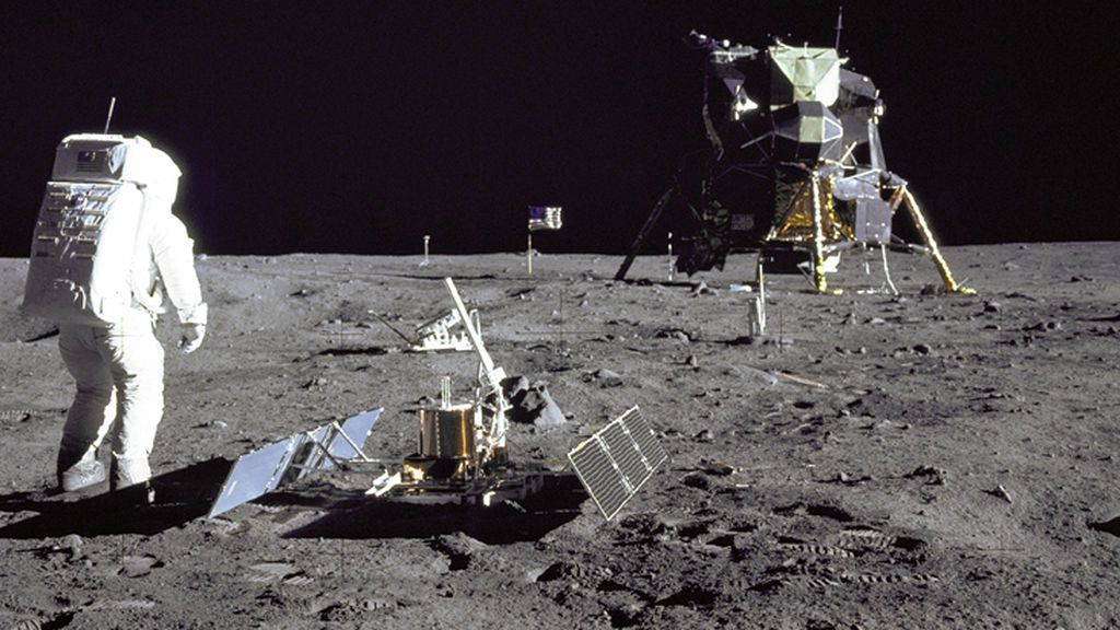 Los expertos aseguran que más de cien personas podrían vivir en la Luna en 2040