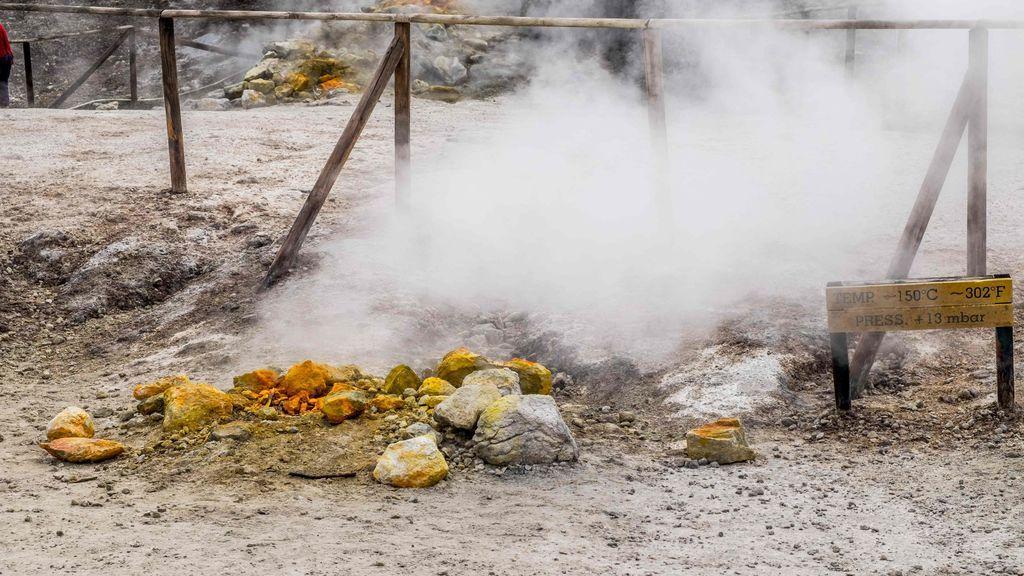 Hallan nuevas señales de peligro en el supervolcán cercano a Nápoles