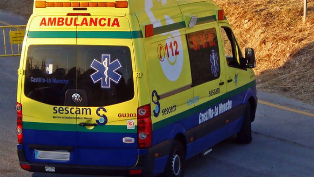 Rescatan a un niño de 4 años desnudo y solo de la ventana de un primer piso de Talavera