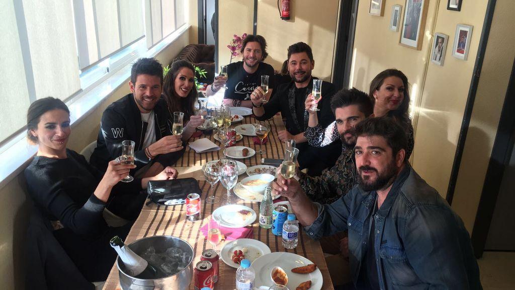 Juanes celebra sus cinco nominaciones a los Latin Grammy los coaches y co-coaches