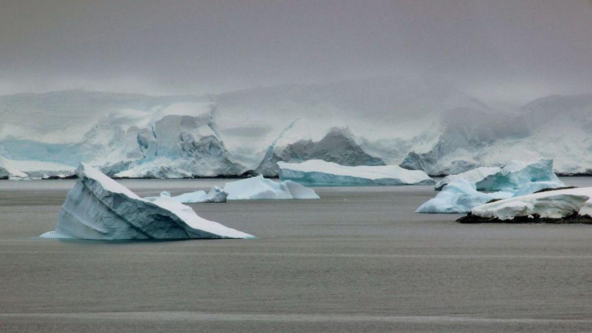 Nuevo fenómeno meteorólogico en la Antártida: así es como 'llueve' gas de nieve