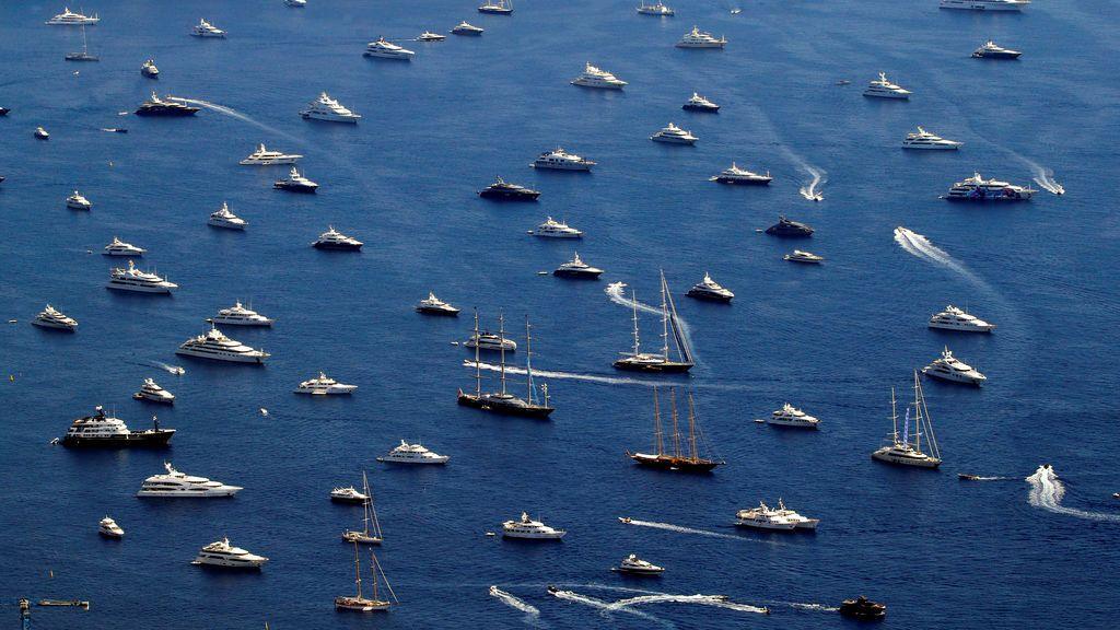 Barcos de lujo  durante el Mónaco Yacht Show