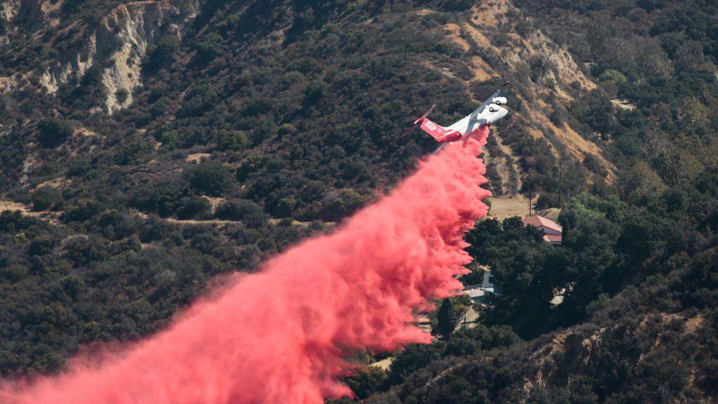 Impresionante incendio en Corona, California