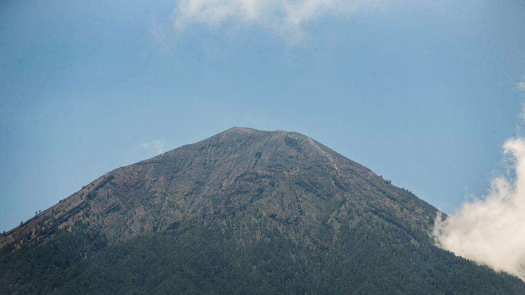 Aumenta actividad volcánica en el Monte Agung
