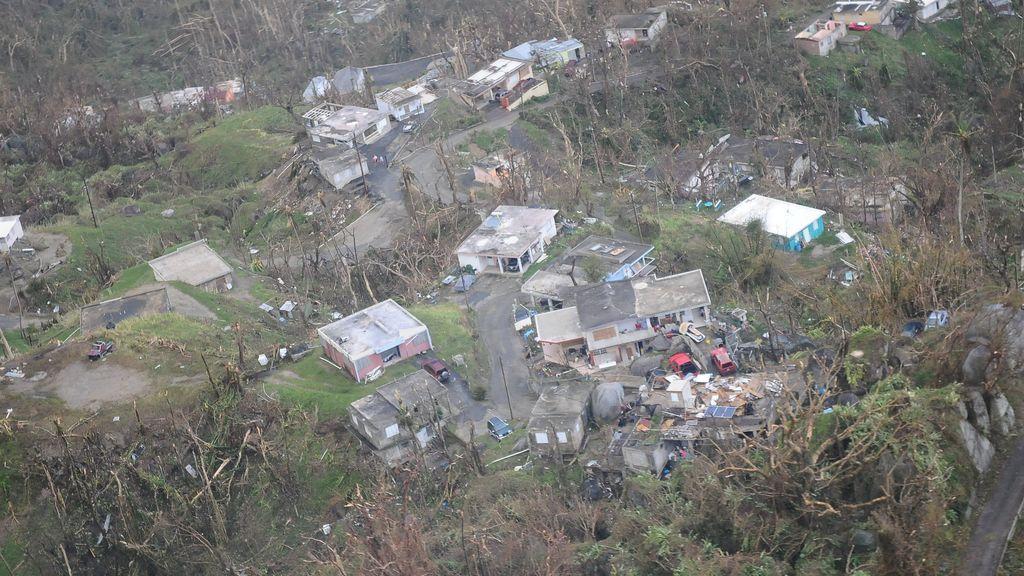 Reconocimiento aéreo de los daños en Puerto Rico luego del paso del huracán María