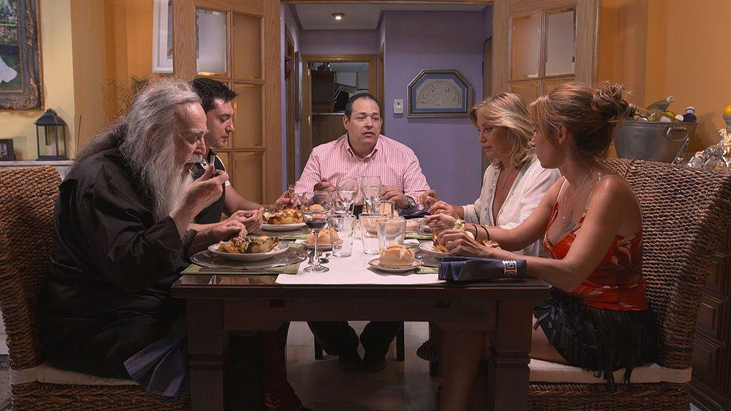 ven a cenar