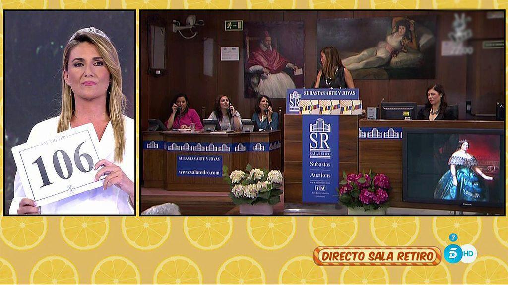 Carlota Corredera se lleva su cuadro por 2.000 euros para regalárselo a su madre