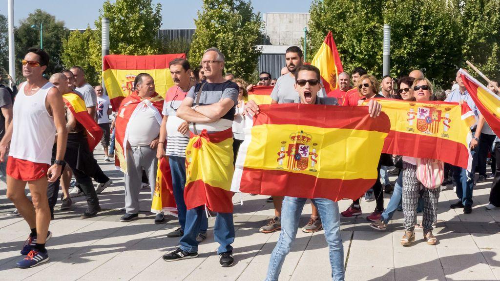 """El referéndum catalán ha triplicado la venta de banderas españolas y la creencia de que """"juntos somos mejores"""""""