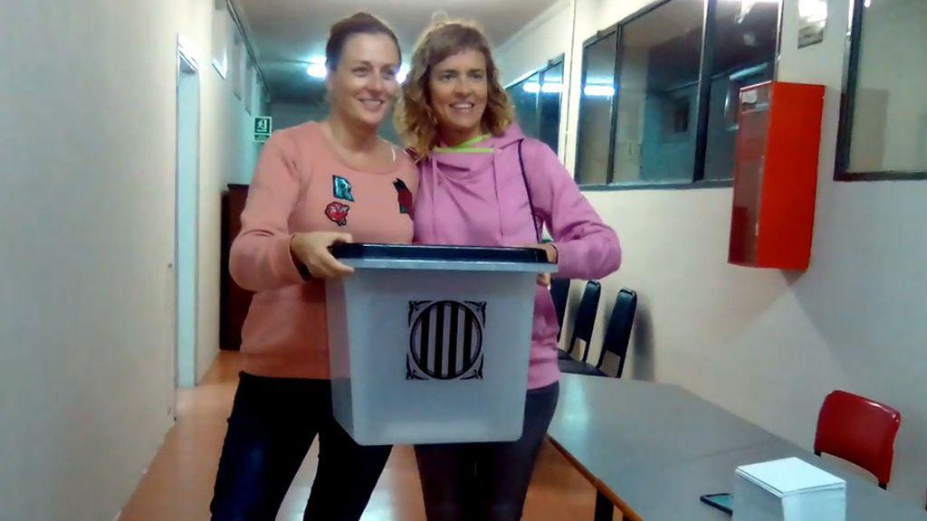 Urnas en las escuela industrial de Barcelona