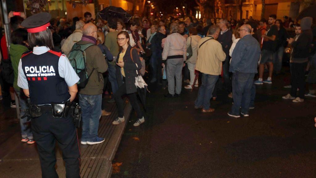 Referéndum 1-0:  La Generalitat improvisa con papeletas sin sobres y el voto en cualquier colegio