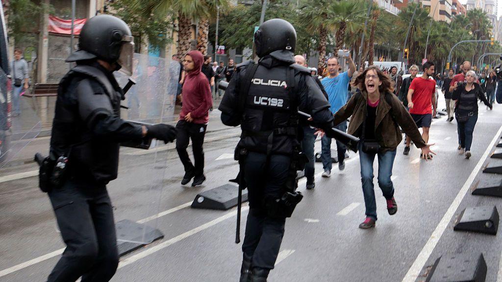 Nueve heridos leves de Policía Nacional y dos de la Guardia Civil