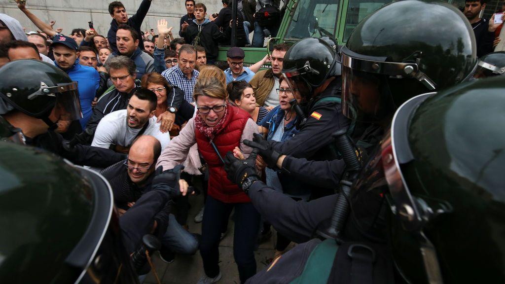 Una persona en estado crítico tras sufrir un infarto durante una carga policial en Mariola de Lleida