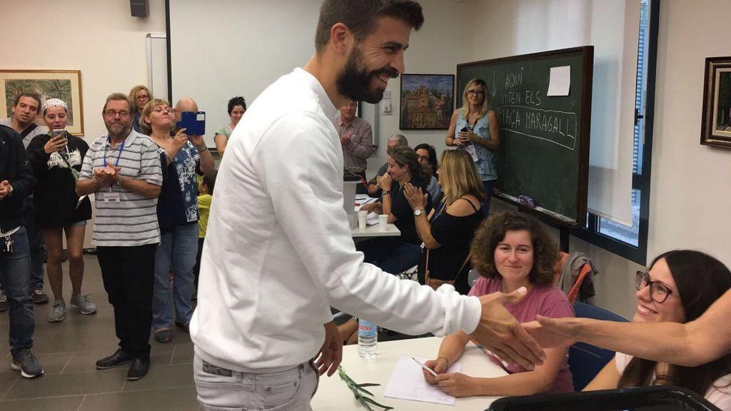 """Piqué vota en el Referéndum de Cataluña: """"Somos imparables defendiendo la democracia"""""""