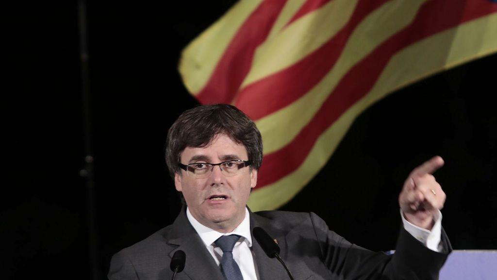 """Puigdemont critica """"el uso injustificado e irresponsale de la violencia del estado español """""""
