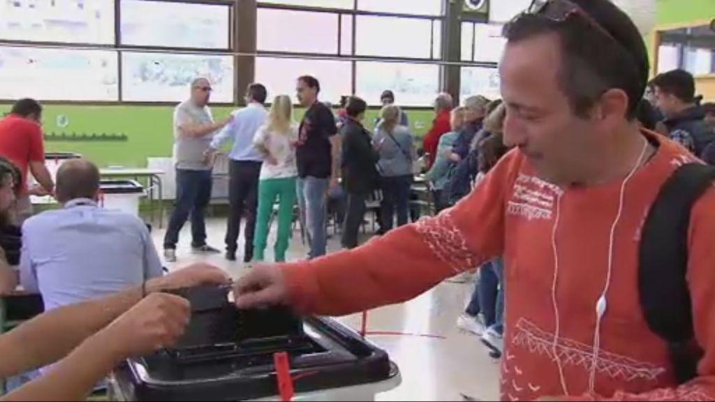 Fuerte presencia policial en los colegios electorales de Tarragona