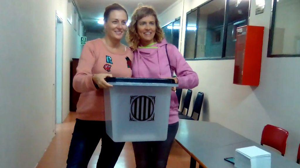 Urnas en la escuela industrial de Barcelona