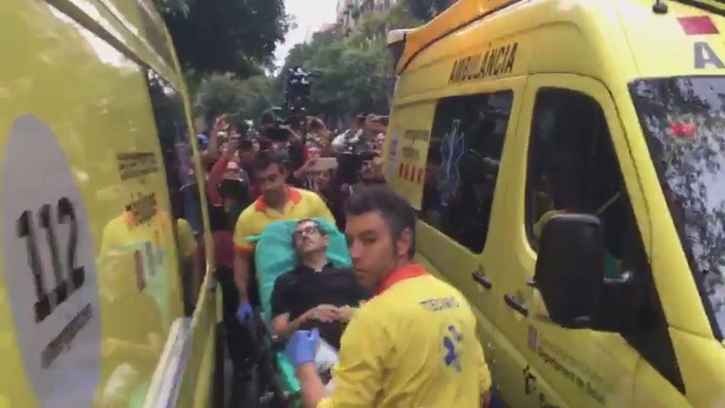 Uno de los heridos en el Ramon Llul es trasladado al hospital