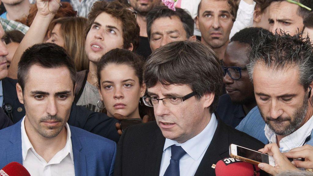 """Puigdemont: """"Violencia contra urnas"""", """"la vergüenza que acompañará al Gobierno para siempre"""""""