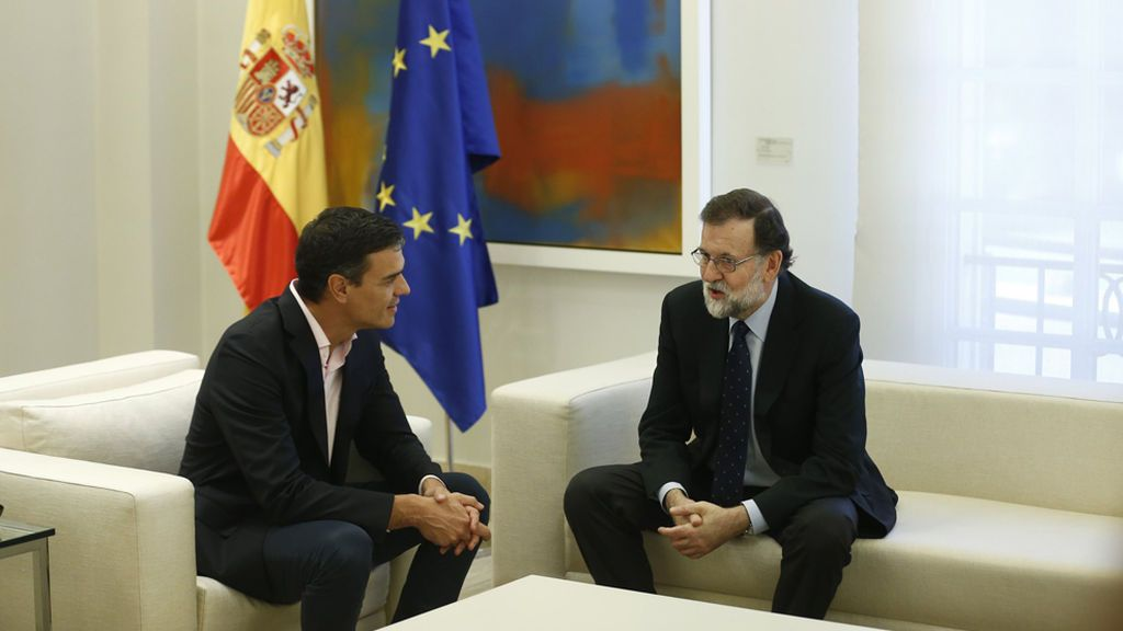 Rajoy apela a la unidad de los constitucionalistas en su reunión con Sánchez