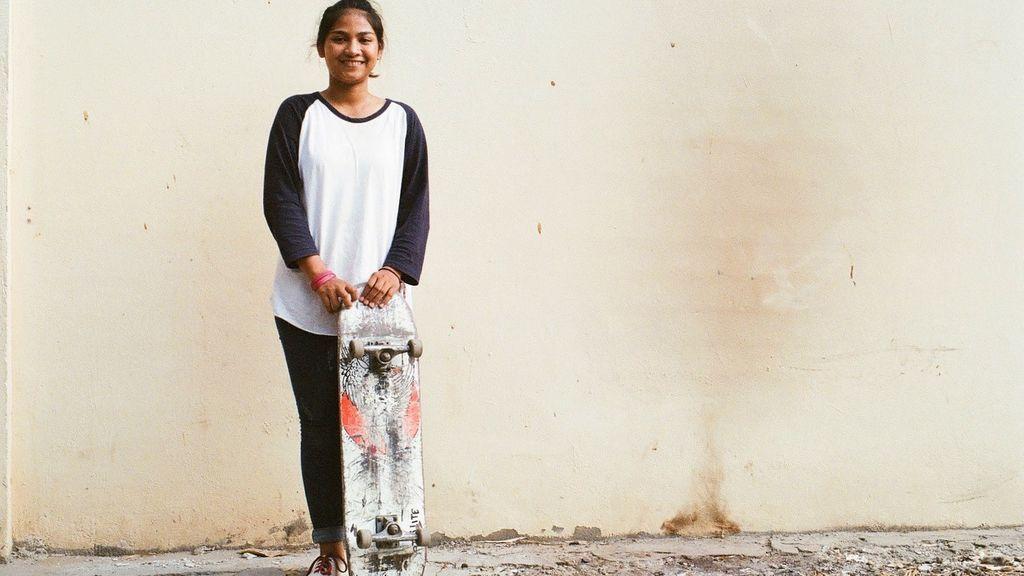 """El skate, la herramienta de Mora para luchar por la igualdad en Camboya: """"Me preguntaban si era una chica o un chico"""""""