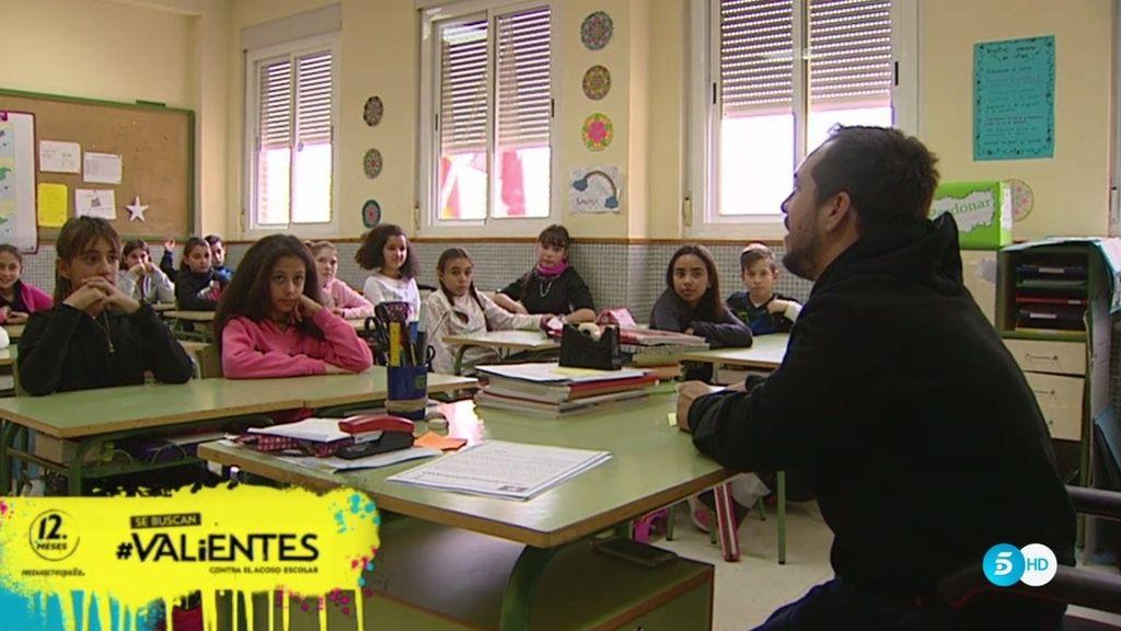 El Langui vuelve al colegio para hablar del acoso escolar y concienciar a los jóvenes