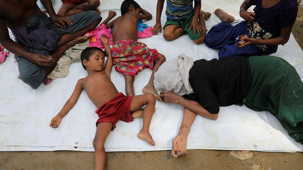 Refugiados rohingyas llegan a Bangladesh