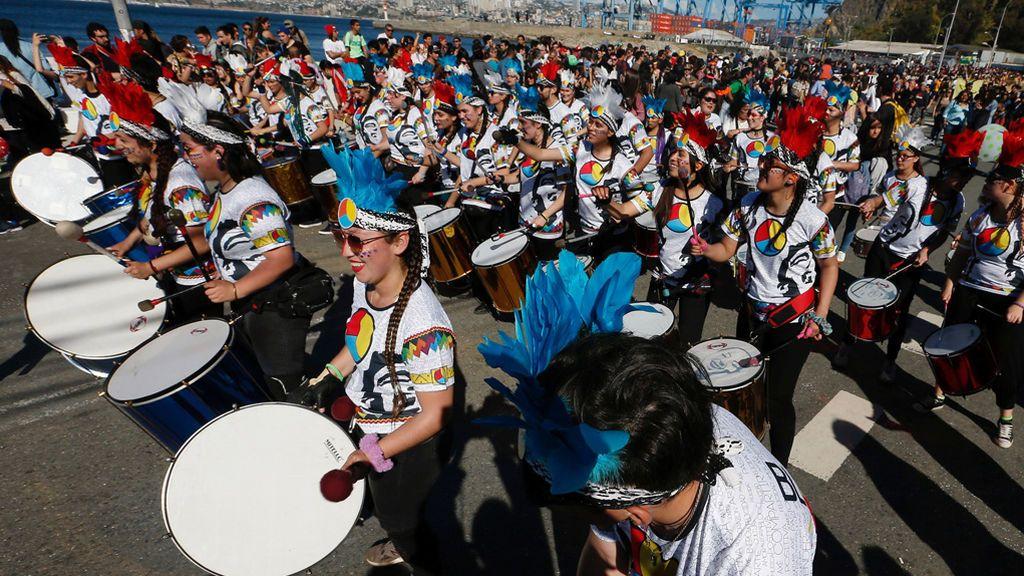Chile celebra el carnaval de Valparaiso