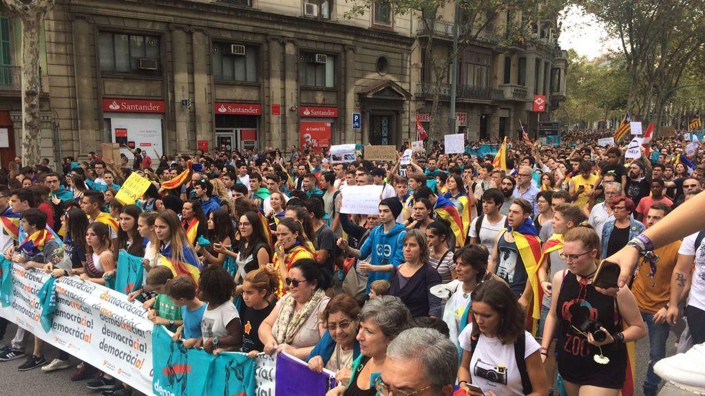 La manifestación de estudiantes, cada vez más multitudinaria