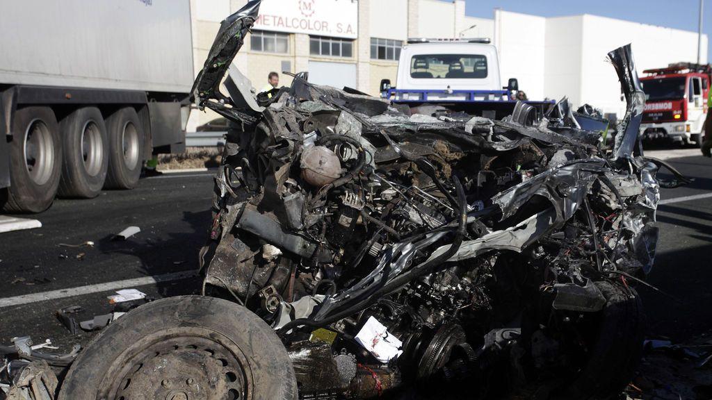 Luto en Calahorra por la muerte de un hombre y sus dos hijos en un accidente de tráfico