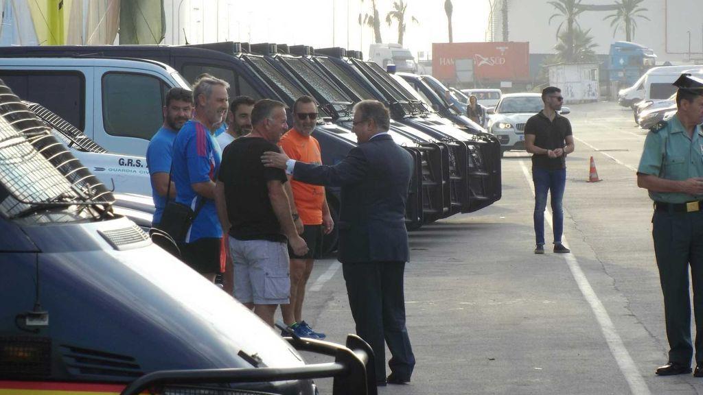 Zoido visita Barcelona para trasmitir el apoyo del Gobierno a los policías y guardias civiles