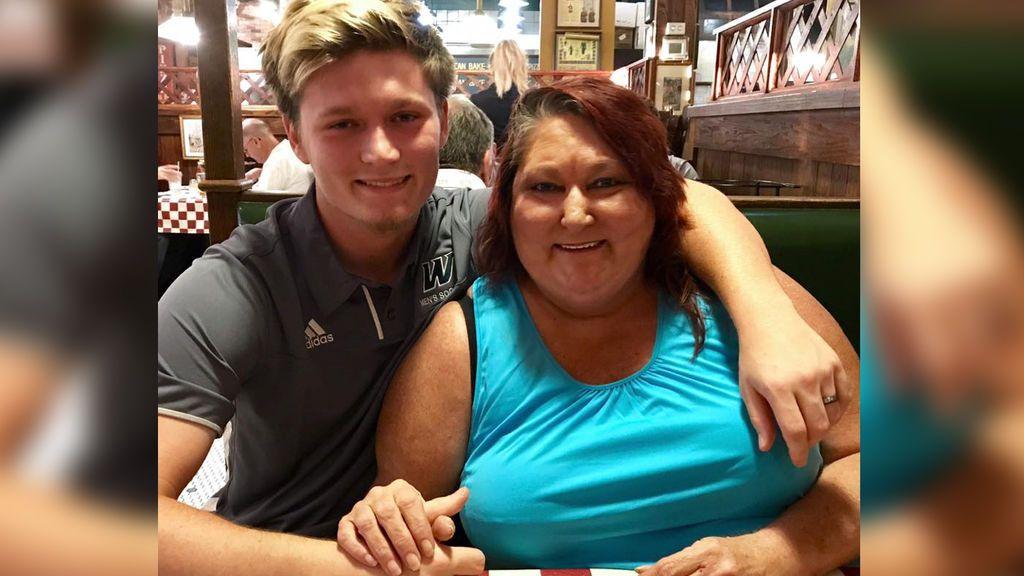 El mejor regalo de cumpleaños: vuelve a ver su hijo tras darlo en adopción hace 18 años