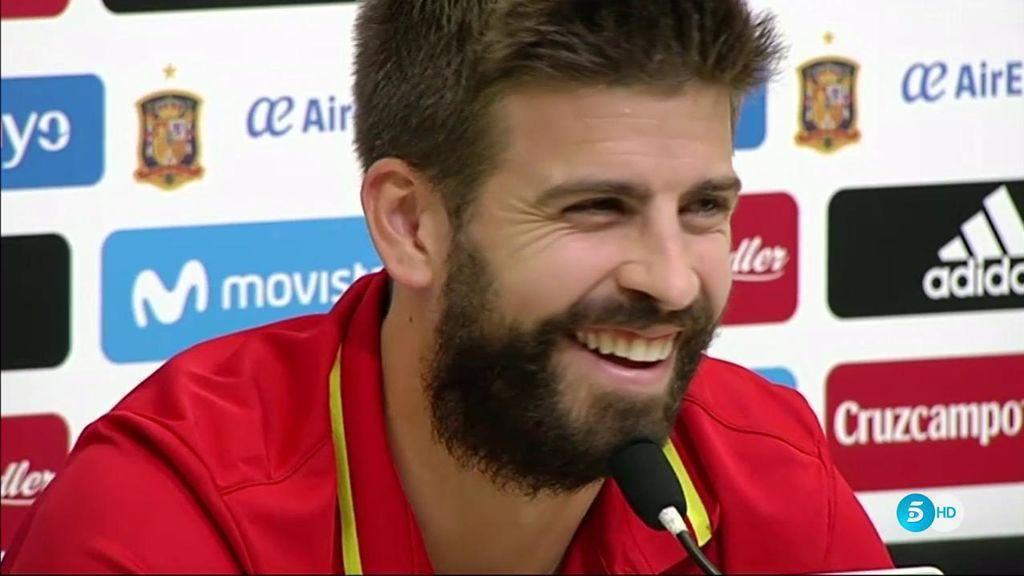 La reacción de Piqué a la única pregunta que no se esperaba en la rueda de prensa sobre la Selección
