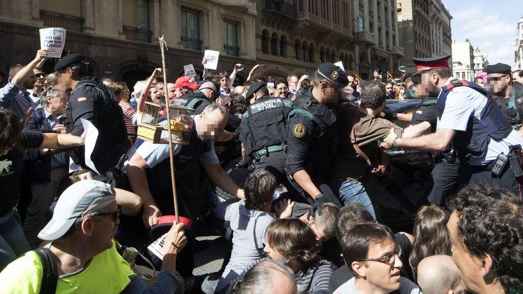 La Guardia Civil registra la Consejería de Economía en Cataluña