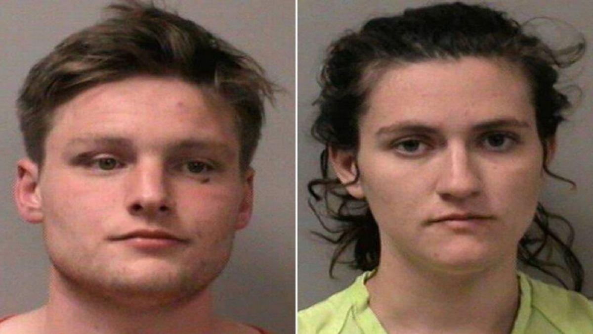 Una pareja se niega a dejar de tener sexo en el coche a pesar de las órdenes de los policías