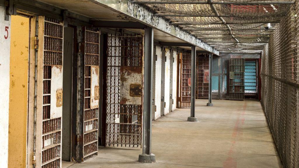 Encuentran a un niño de 13 años en la celda de un pedófilo en una cárcel brasileña