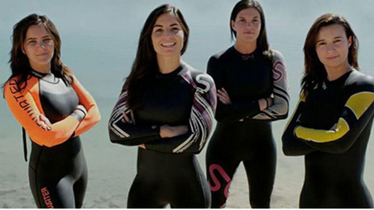 De Formentera a Ibiza a nado por una buena causa