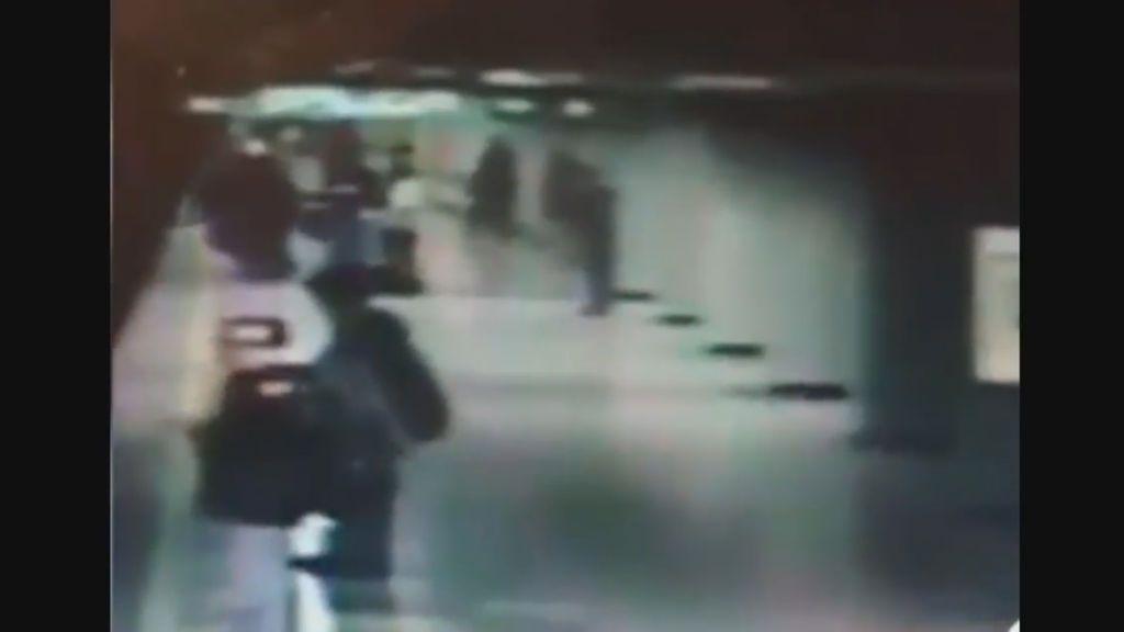 Una mujer fallece tras ser arrojada a las vías del metro en México