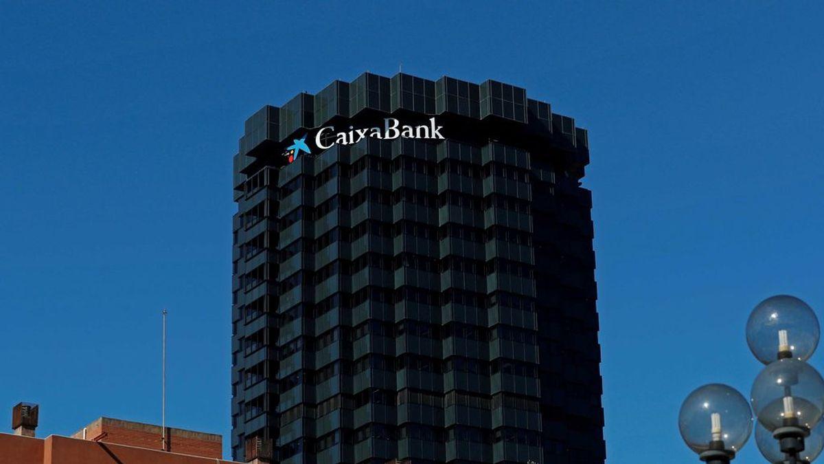Reunión extraordinaria del consejo de Caixabank para estudiar el cambio de sede