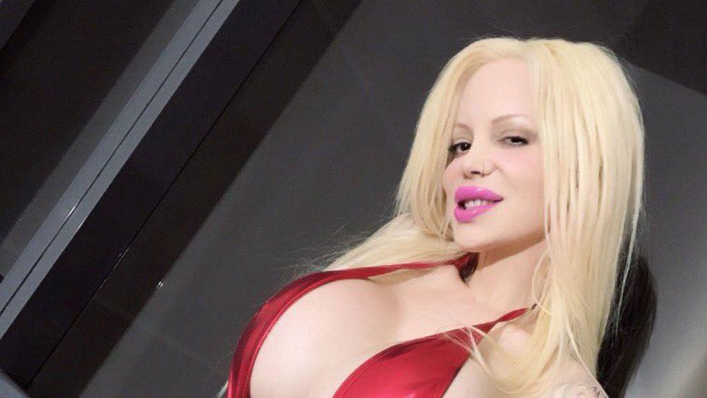 Encontrar a una actriz porno que está prófuga tiene recompensa