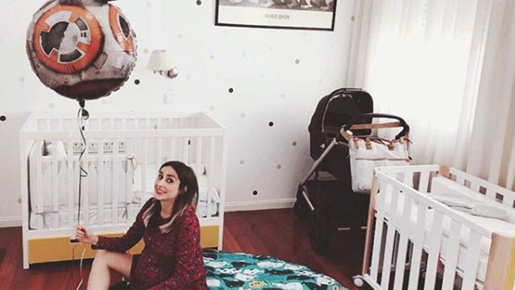 """""""Y el alien llegó con un jardín debajo de brazo"""": Así confirma Zahara que ya es mamá"""