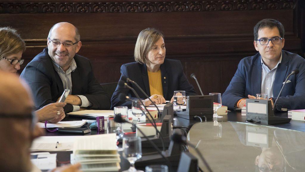 Forcadell convoca formalmente el pleno del martes en el que comparecerá Puigdemont