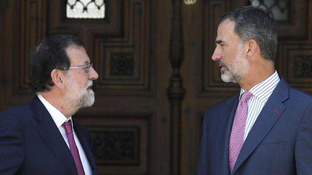 El Rey y Rajoy despejan sus agendas con excepción de los actos por la FIesta Nacional