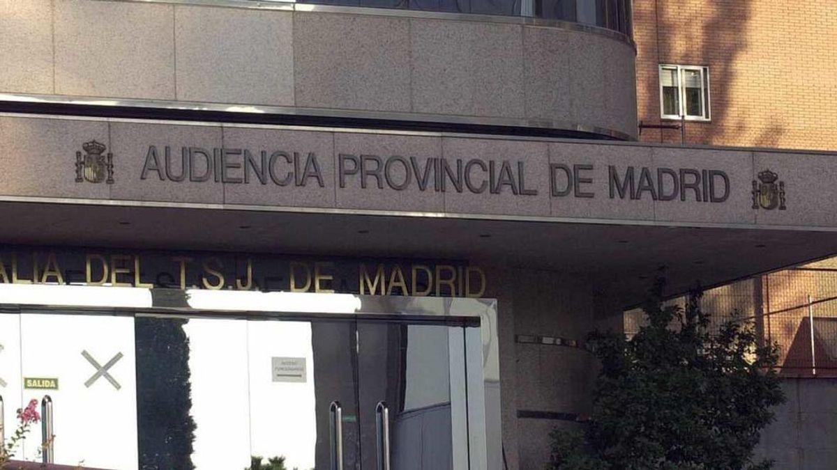 Piden cinco años de prisión a una cuidadora por estafar casi 400.000 euros a un anciano