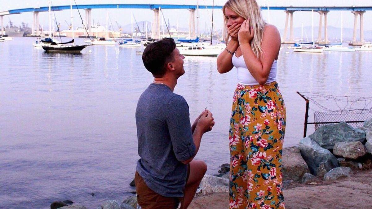 Se casa con el chico que conoció a través de Twitter al buscar acompañante para una boda