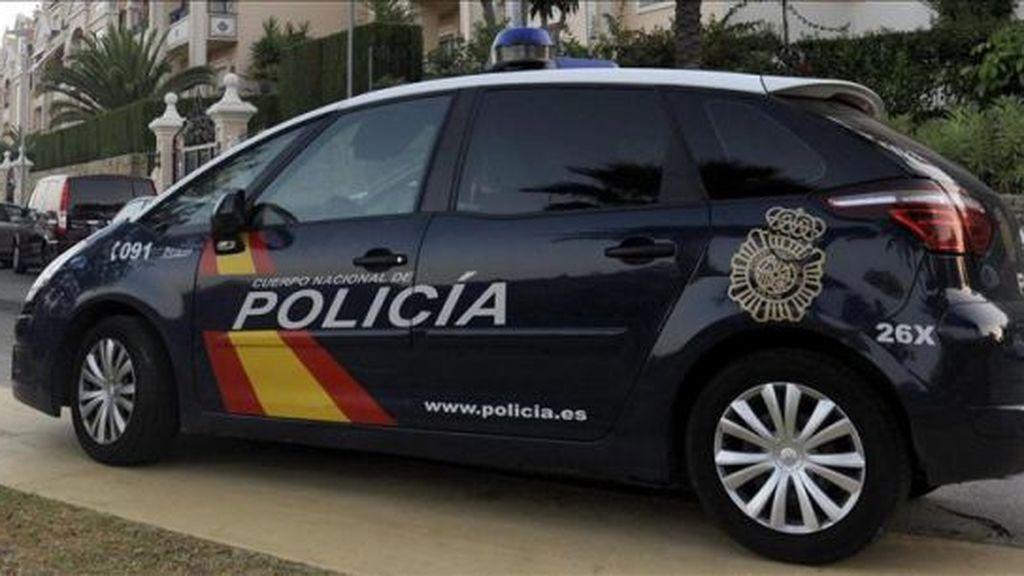 Cuatro ladrones encapuchados asaltan una casa y atan a los propietarios en Valencia